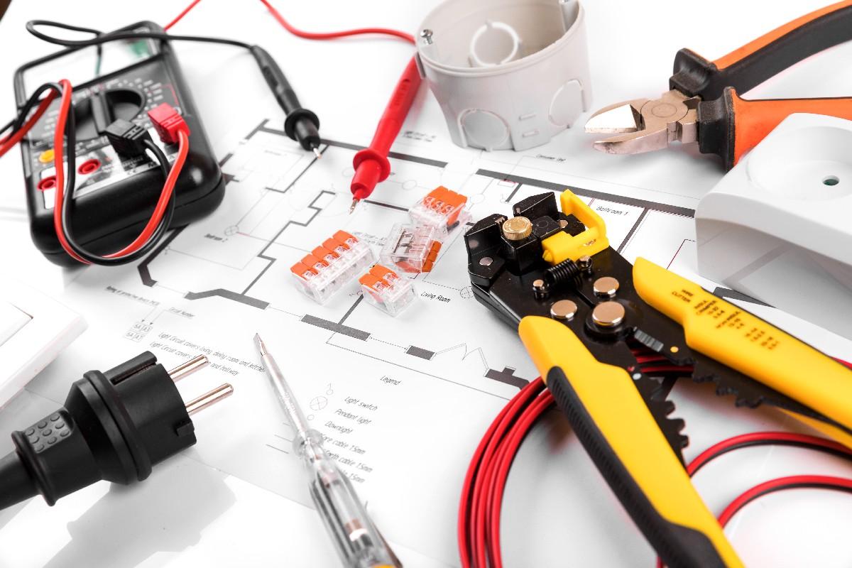 Une entreprise d'électricité de confiance à votre service à Paris 7e | Aux Bâtisseurs Parisiens