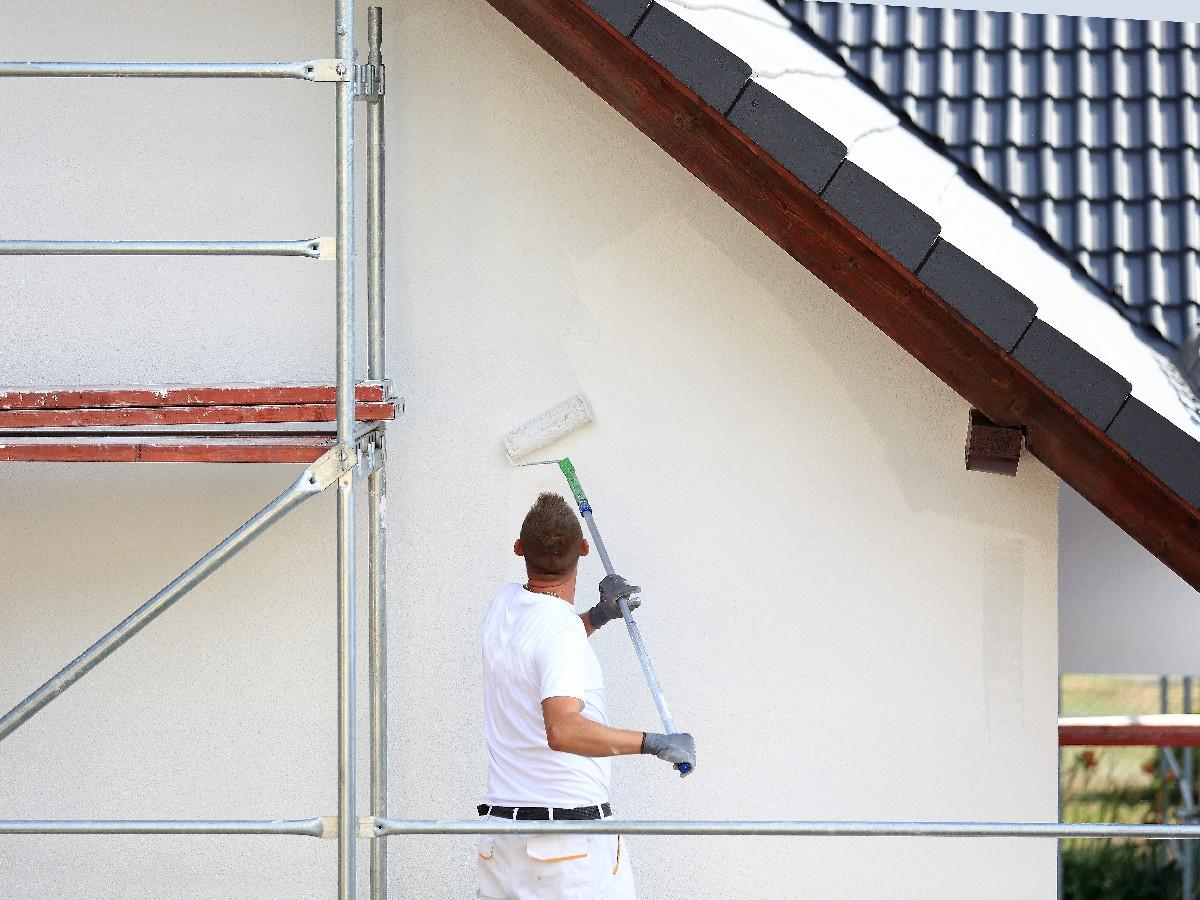 travaux de peinture extérieure à Paris 7ème | Aux Bâtisseurs Parisiens