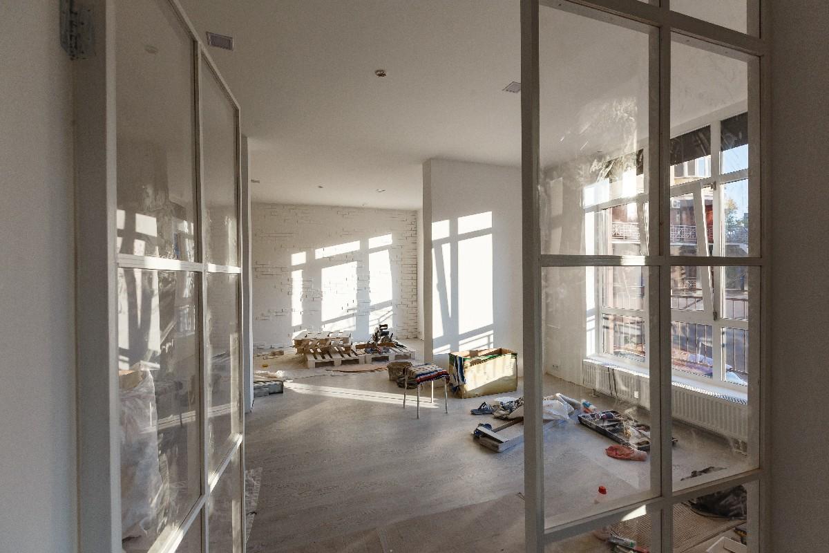 rénovation de locaux commerciaux près de Paris 7e | Aux Bâtisseurs Parisiens